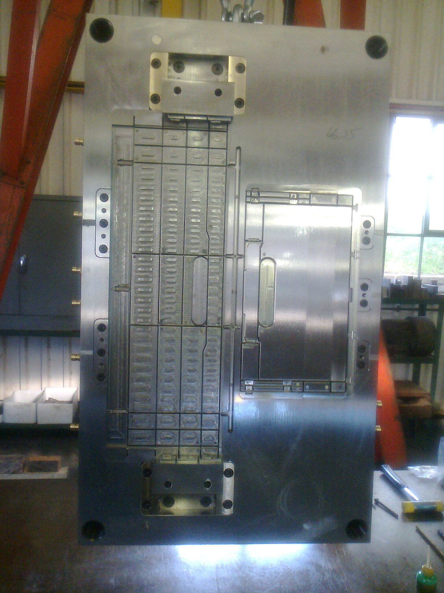 crate side mould